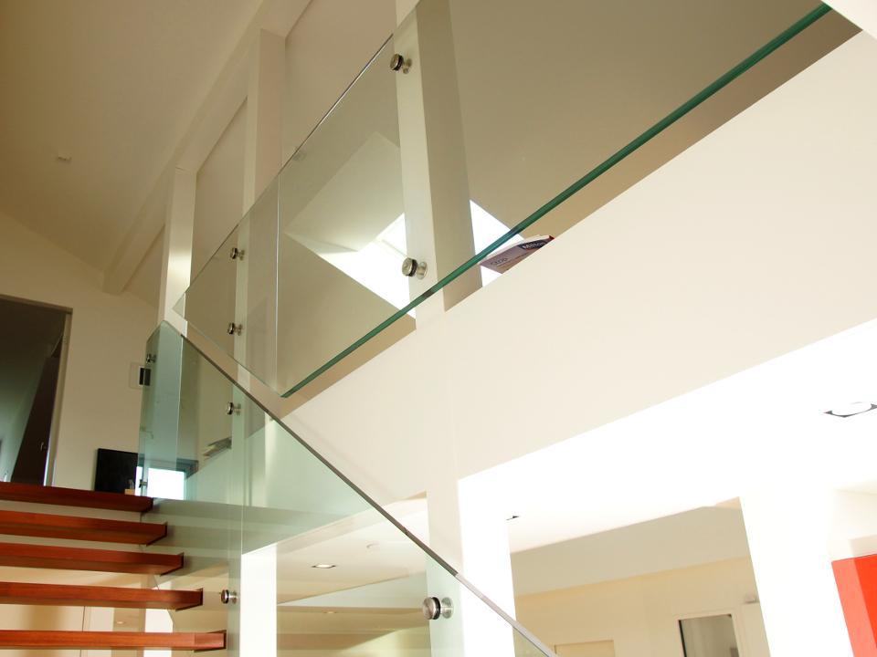 Treppenverglasung mit Punkthalter