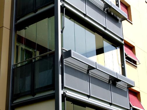 Balkonverglasung mit Scheiben aus Glas