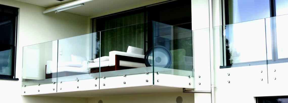 glasgel nder im aussenbereich. Black Bedroom Furniture Sets. Home Design Ideas