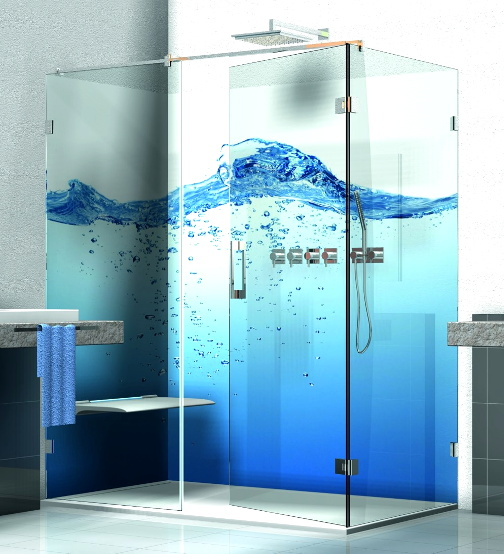 Glasrückwand in Duschen
