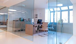 Glasgeländer, Glasschiebetüre oder Trennwände aus Glas