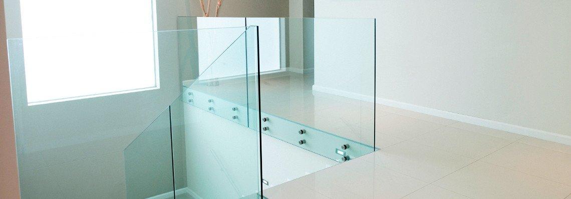 Glasgeländer und Treppenverglasung